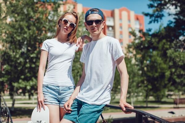 カジュアルにカップルでお揃いコーデ♡ペアルックで使えるTシャツブランド