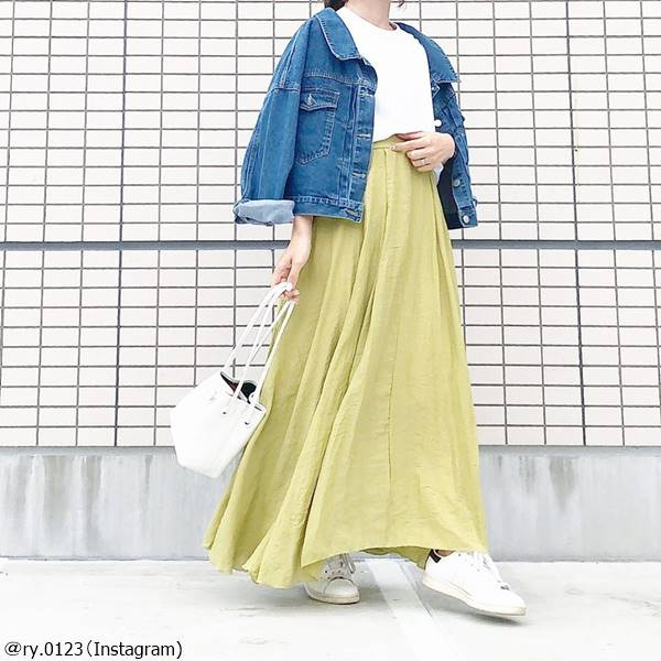 マキシスカートでスタイルアップ♡相性のいいトップス4選