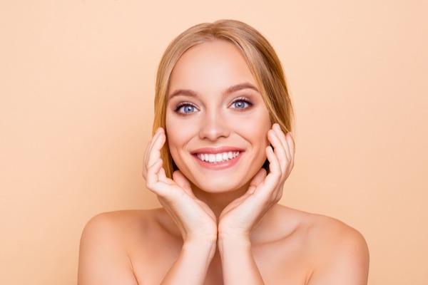 夏のテカリ肌を防ぐおすすめ「化粧下地」はコレ!