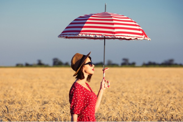 日傘にも雨傘にもなる!優秀オシャレ「折りたたみ傘」4選