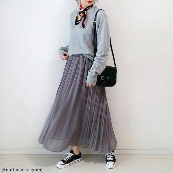 【痩せ見えコーデ】下半身をしっかりカモフラージュ?1着で体型カバーできるアイテムって!?