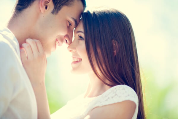 あなたにとっての理想的な恋愛って?星座別ベストな恋愛法(いて座~うお座)