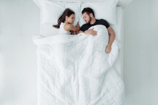寝相でわかる!恋愛の依存度診断