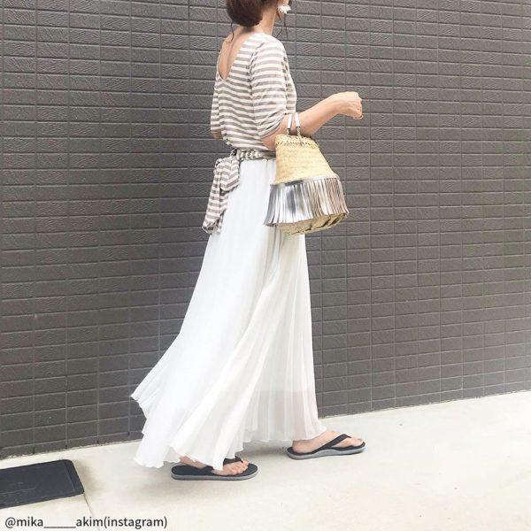 今年流行りの「プリーツスカート」大人女子はこう着こなす!