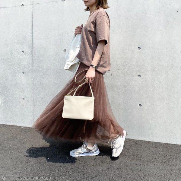 【30代向け】甘すぎず可愛い!コーデで雰囲気変わる「チュールスカート」